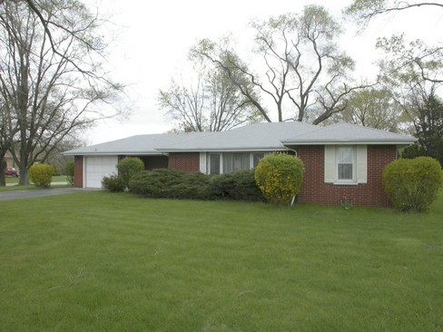 Front View photograph of 34981 Helen Ct N Ingleside Illinois 60041