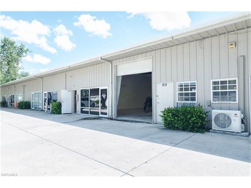 Real Estate Photography - 3573 Enterprise AVE, 69, 70, Naples, FL, 34104 - Location 1