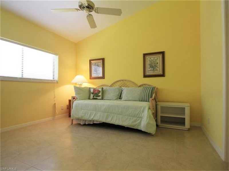 Real Estate Photography - 792 Eagle Creek Dr, Apt 201, Naples, FL, 34113 - Location 9