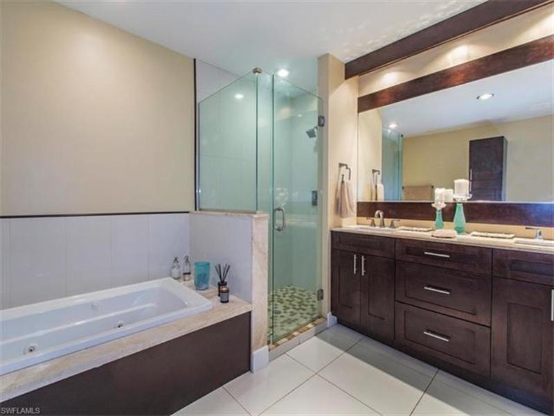 Real Estate Photography - 109 Plantation Cir, Naples, FL, 34104 - Location 8