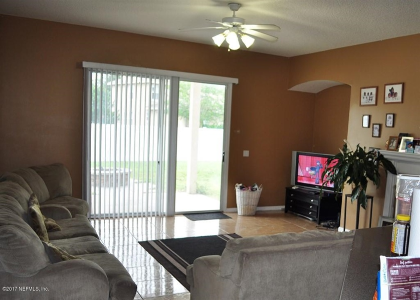 Real Estate Photography - 14121 Devan Lee Dr W, Jacksonville, FL, 32226 - Location 6