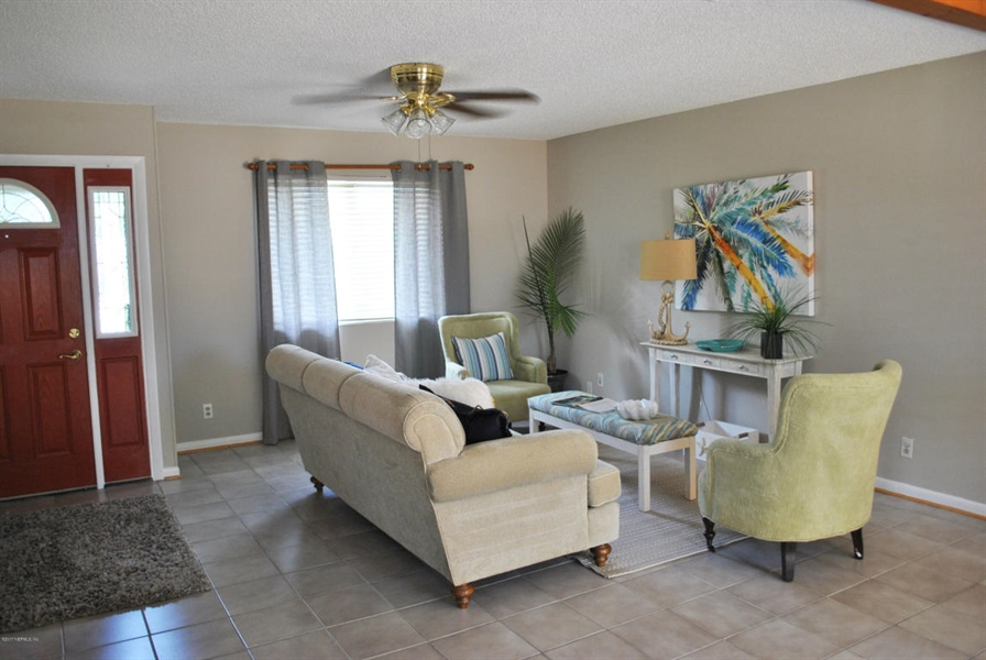 Real Estate Photography - 700 8TH AVE, JACKSONVILLE BEACH, FL, 32250 - Location 3