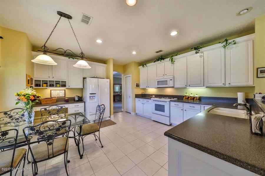 Real Estate Photography - 7627 Chipwood Ln, Jacksonville, FL, 32256 - Location 8
