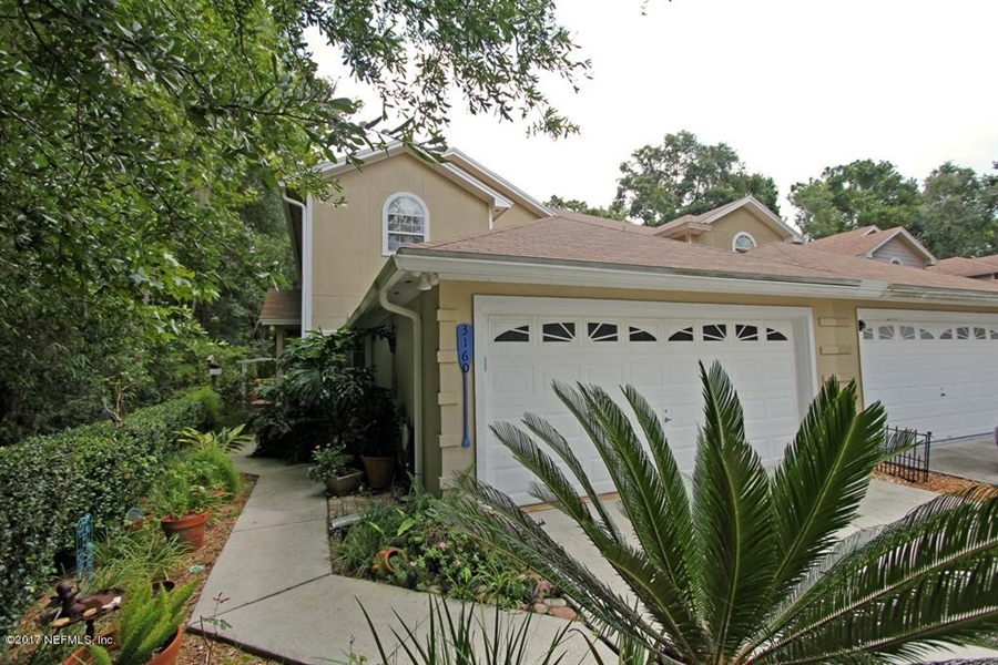 Real Estate Photography - 3160 Paddle Boat Ln, Jacksonville, FL, 32223 - Location 2