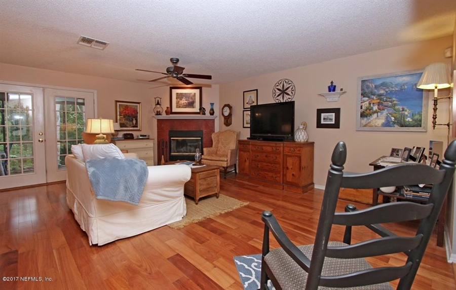 Real Estate Photography - 3160 Paddle Boat Ln, Jacksonville, FL, 32223 - Location 10