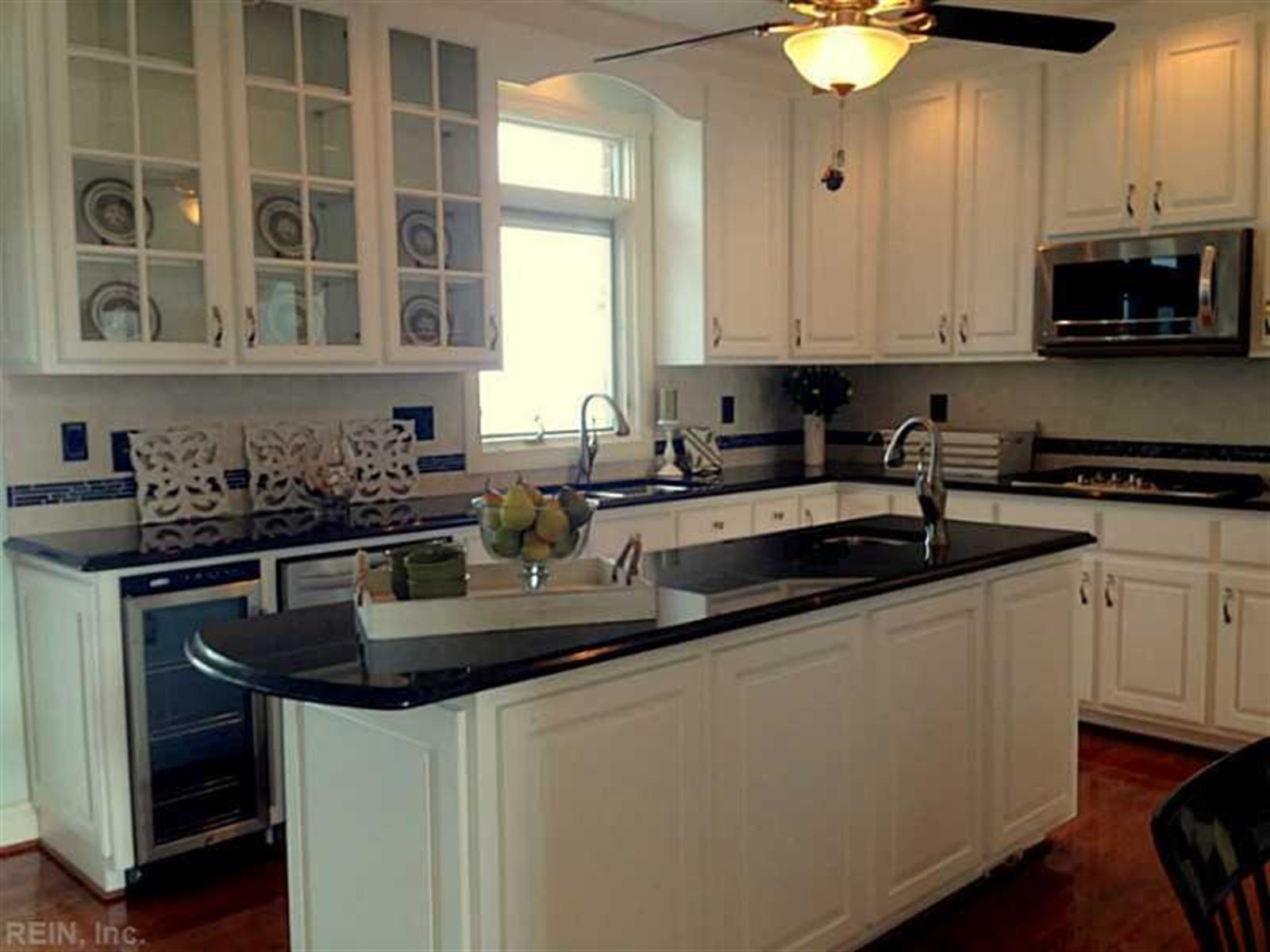 Real Estate Photography - 14 Bay Front Pl, Hampton, VA, 23664 - Location 9