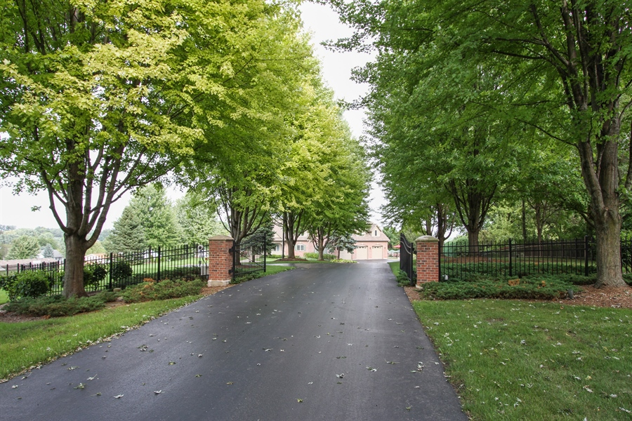 Real Estate Photography - 200 S Green St, McHenry, IL, 60050 - Driveway