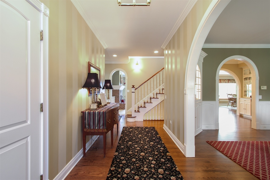 Real Estate Photography - 200 S Green St, McHenry, IL, 60050 - Entryway