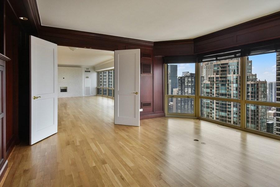 Real Estate Photography - 100 E Huron, 3701, Chicago, IL, 60601 - Den