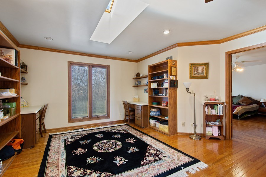 Real Estate Photography - 349 W Whispering Pines Ct, Inverness, IL, 60010 - Loft