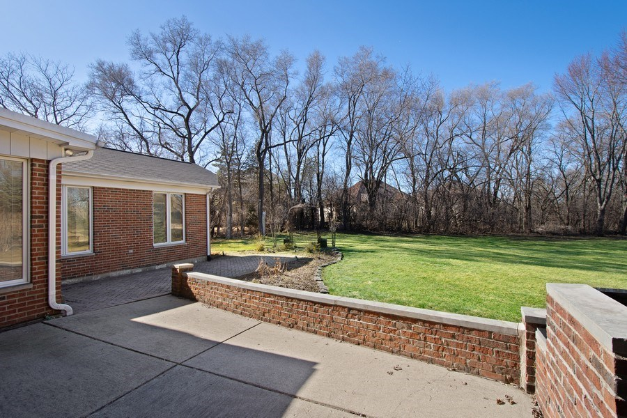 Real Estate Photography - 349 W Whispering Pines Ct, Inverness, IL, 60010 - Patio