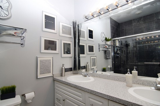 Real Estate Photography - 616 W Fulton, Unit 712, Chicago, IL, 60661 - Master Bathroom