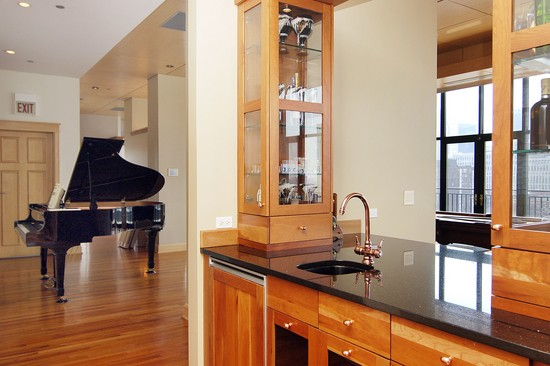 Real Estate Photography - 400 W Ontario St, Penthouse, Chicago, IL, 60610 - Bar