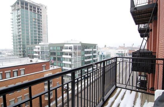 Real Estate Photography - 616 W Fulton St, Unit 510, Chicago, IL, 60661 - Balcony