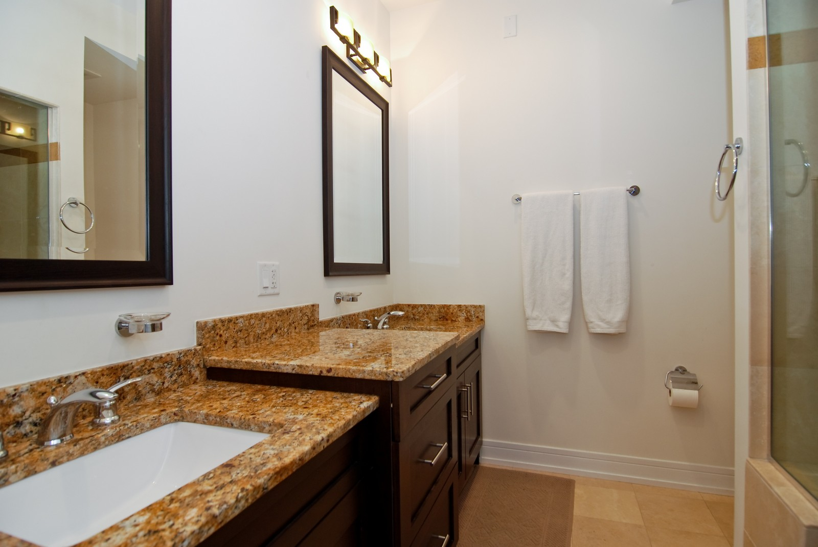 Real Estate Photography - 4150 N Kenmore Ave, Chicago, IL, 60613 - Master Bathroom
