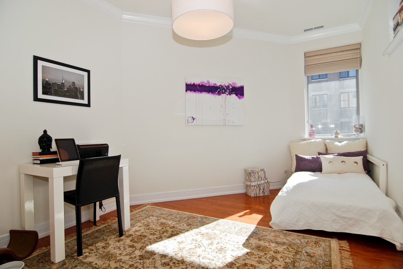 Real Estate Photography - 4150 N Kenmore Ave, Chicago, IL, 60613 - 2nd Bedroom