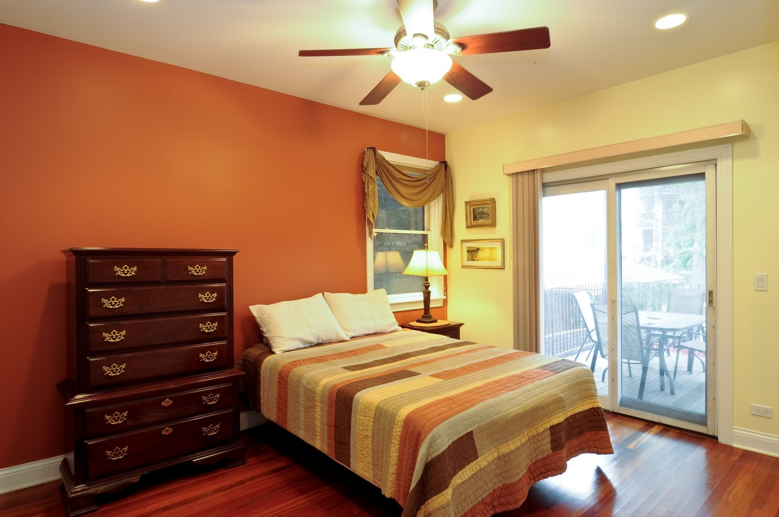 Real Estate Photography - 1514 W Victoria, Unit 1, Chicago, IL, 60660 - Master Bedroom