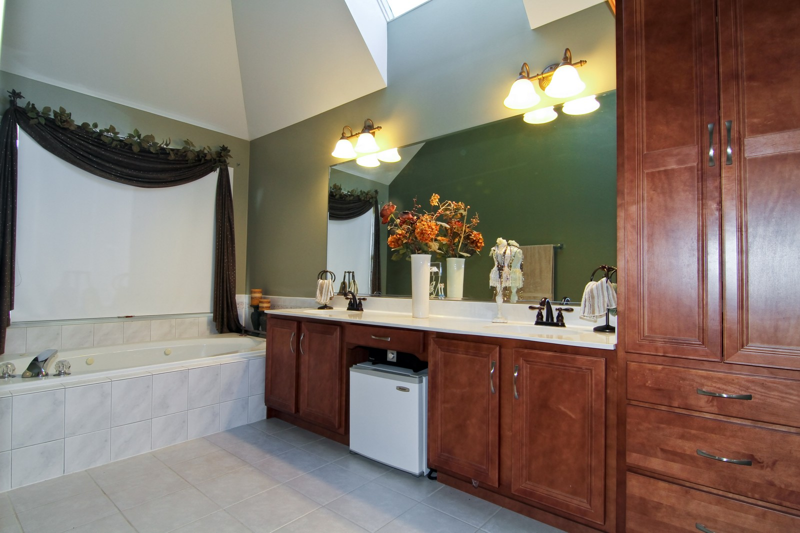 Real Estate Photography - 3801 King Richard Ct, St Charles, IL, 60174 - Master Bathroom