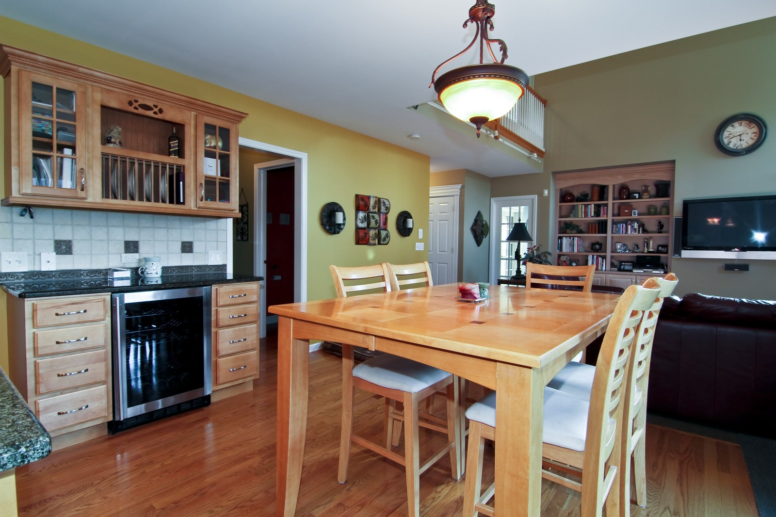 Real Estate Photography - 3801 King Richard Ct, St Charles, IL, 60174 - Breakfast Area