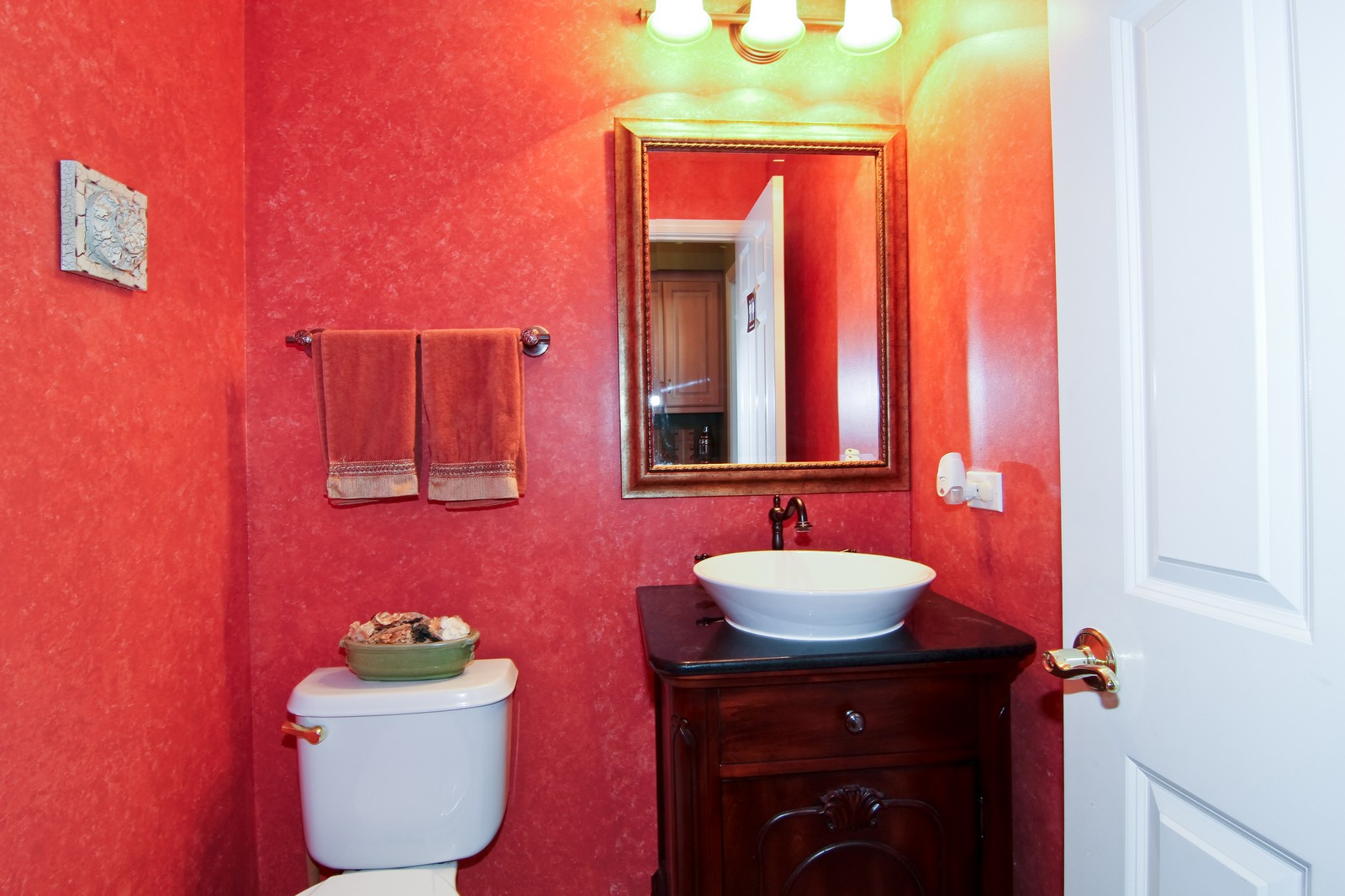 Real Estate Photography - 3801 King Richard Ct, St Charles, IL, 60174 - Bathroom