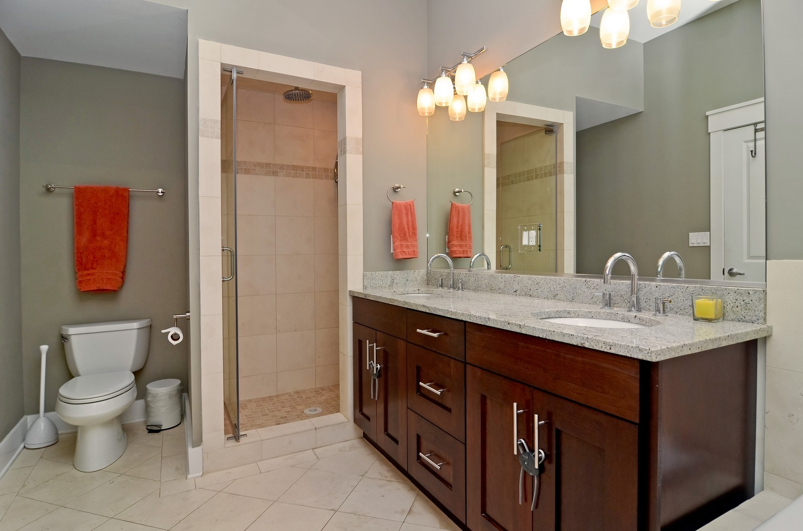 Real Estate Photography - 639 W Briar, Unit 2E, Chicago, IL, 60610 - Master Bathroom