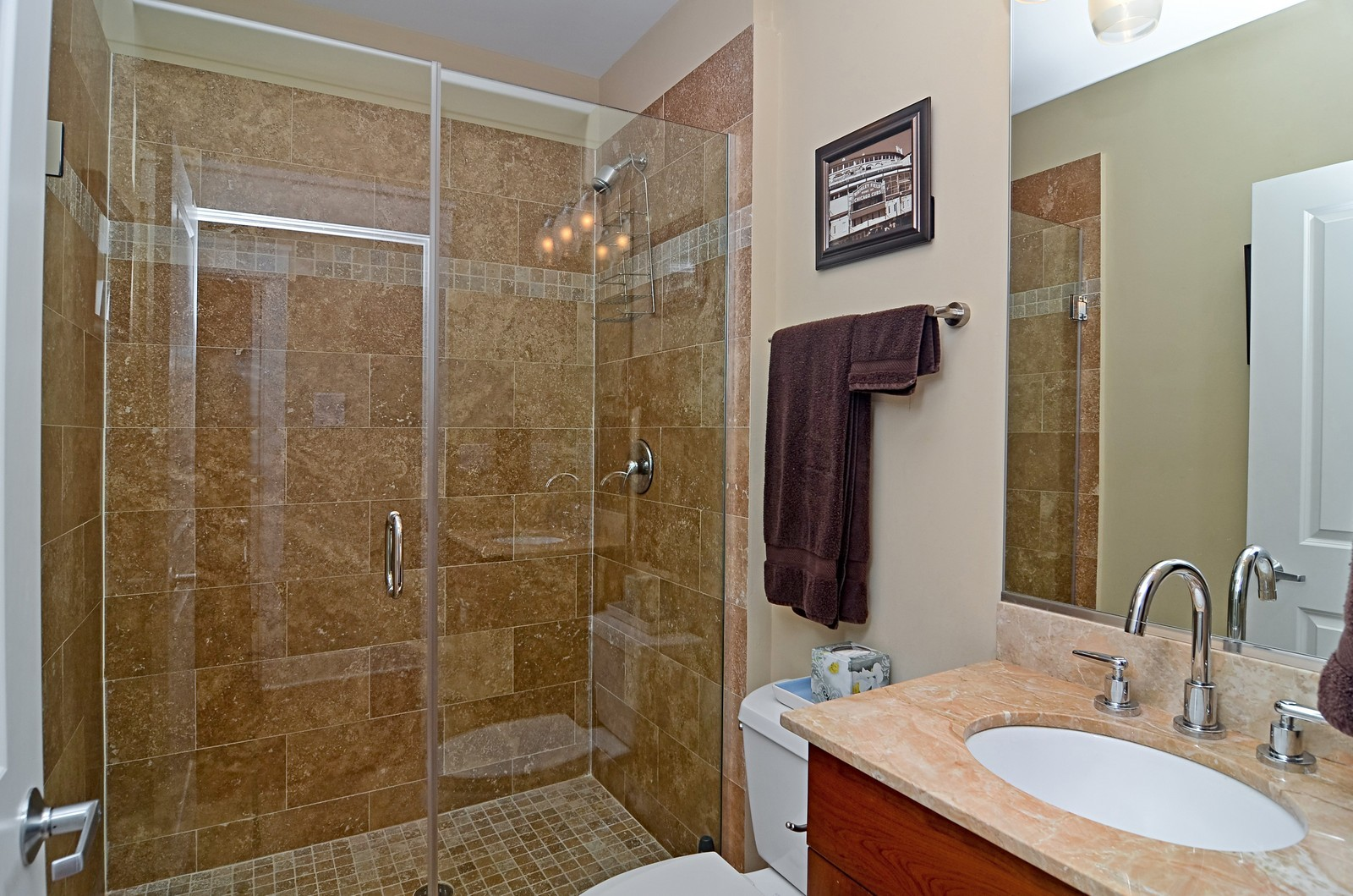 Real Estate Photography - 639 W Briar, Unit 2E, Chicago, IL, 60610 - Bathroom