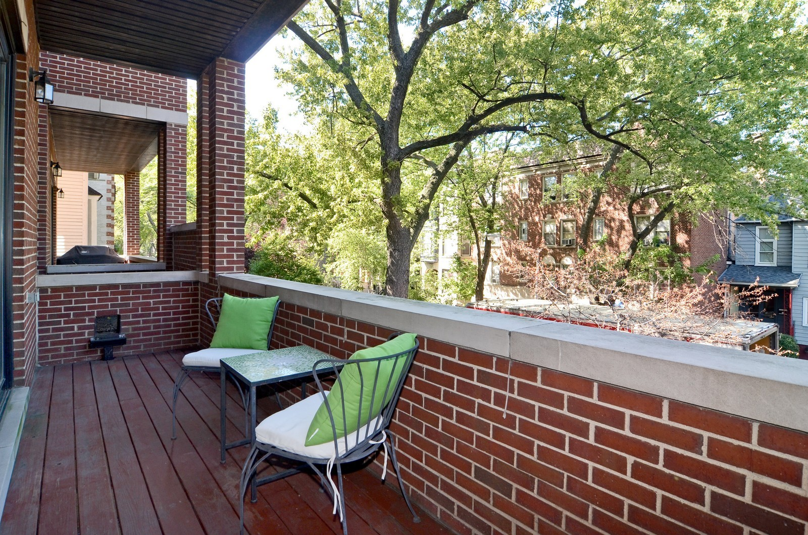 Real Estate Photography - 639 W Briar, Unit 2E, Chicago, IL, 60610 - Balcony