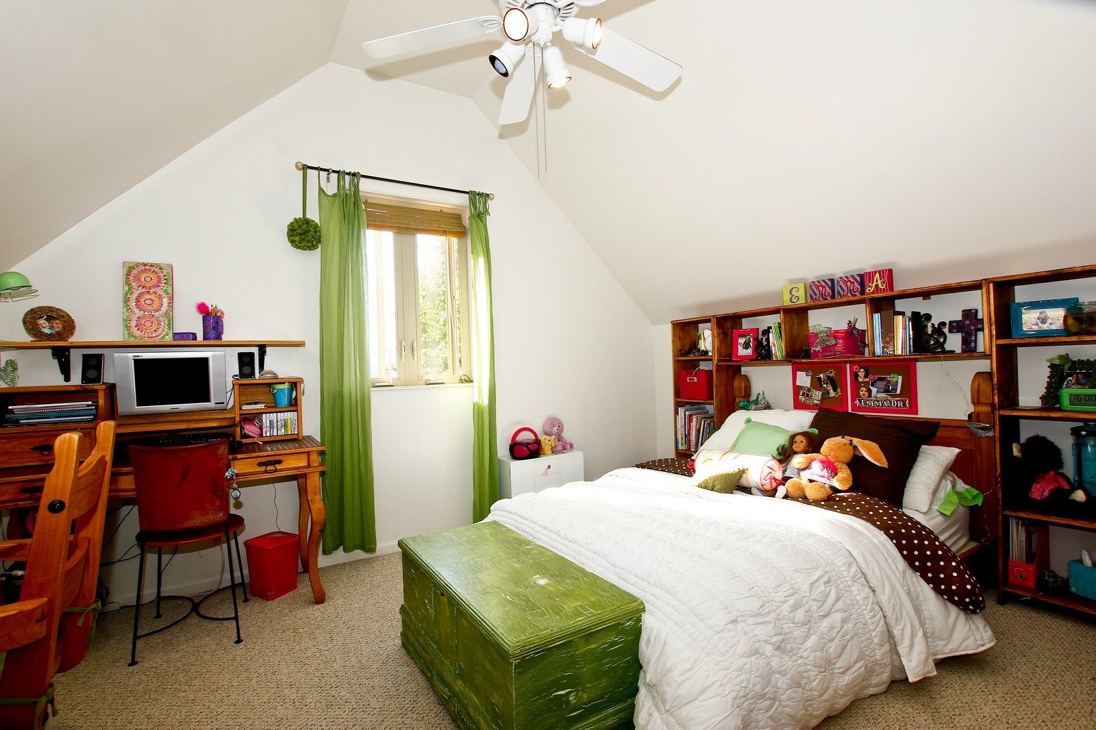 Real Estate Photography - 5535 S Oak Park Ave, Chicago, IL, 60638 - 2nd Bedroom