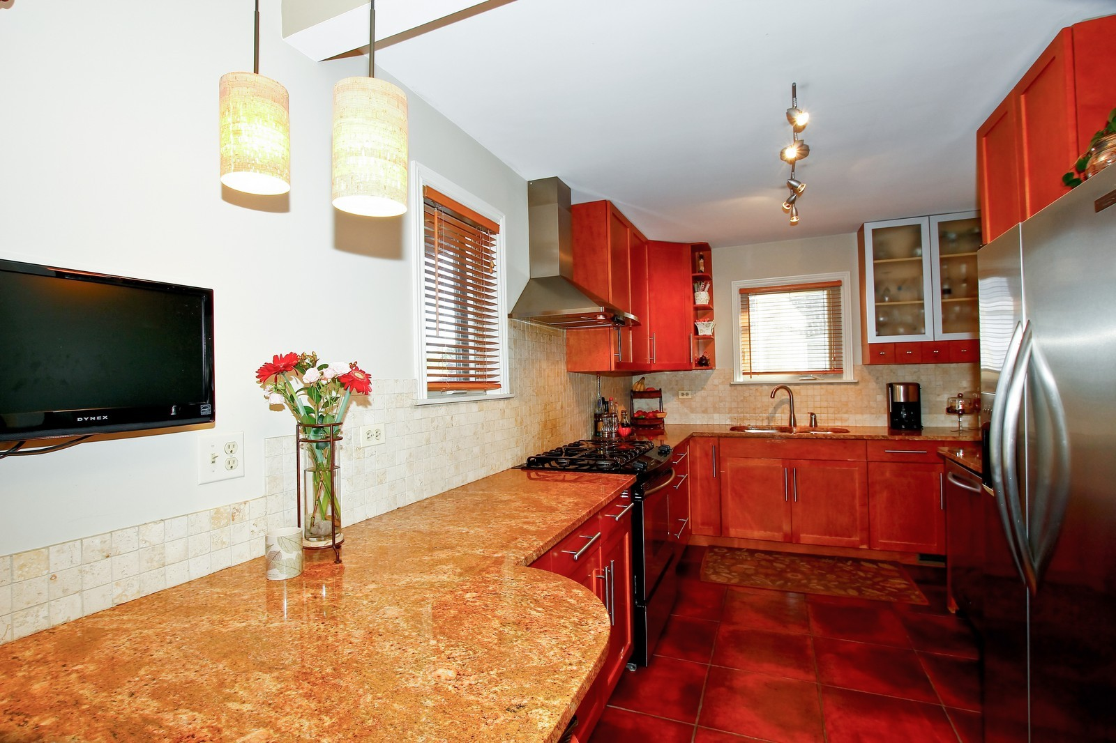 Real Estate Photography - 5535 S Oak Park Ave, Chicago, IL, 60638 - Kitchen