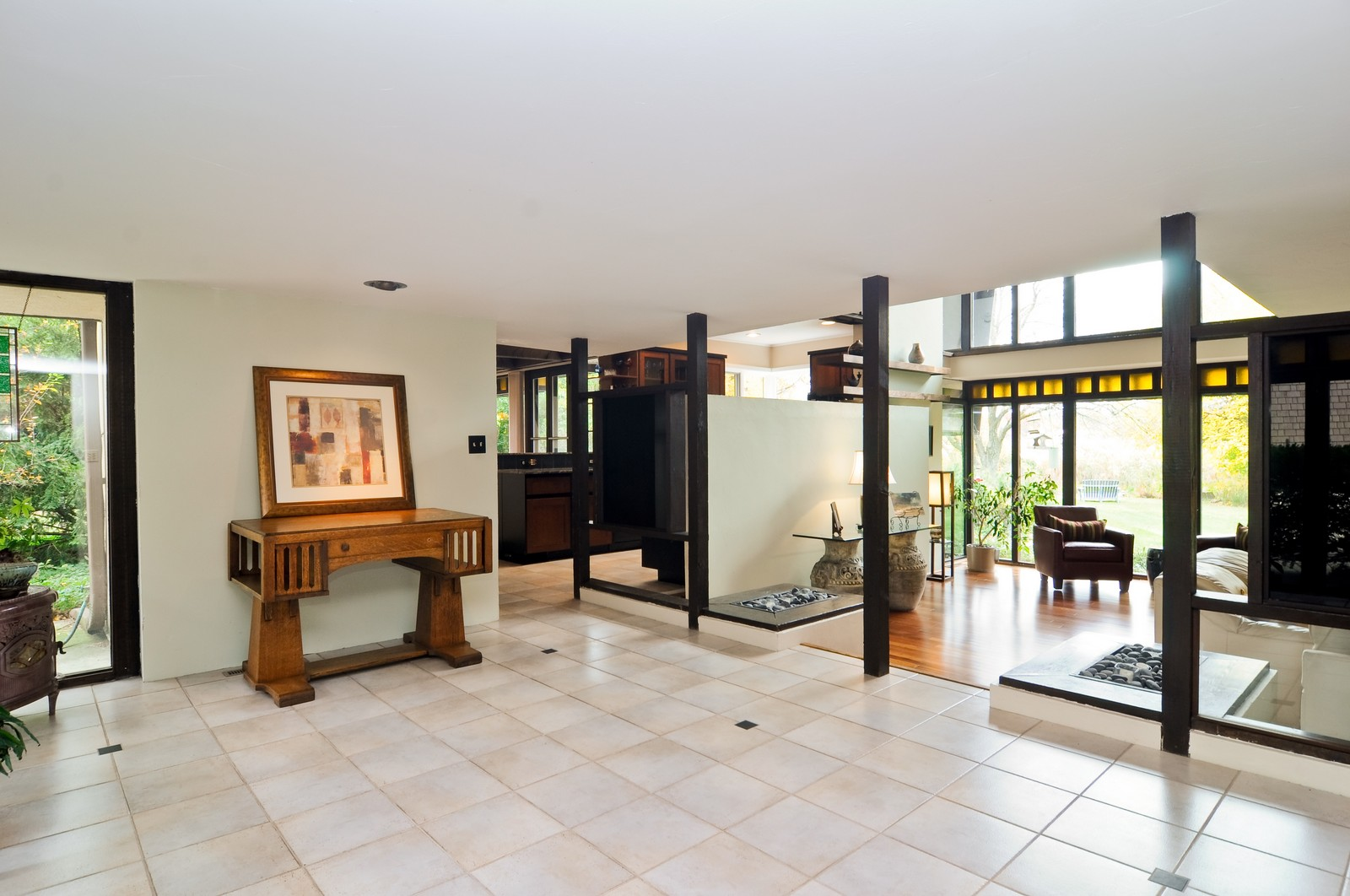 Real Estate Photography - 519 Beachview, North Barrington, IL, 60010 - Foyer