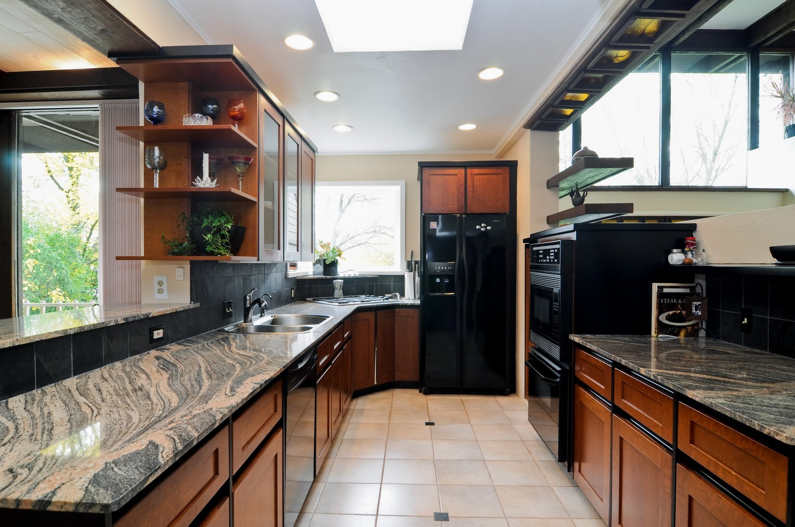 Real Estate Photography - 519 Beachview, North Barrington, IL, 60010 - Kitchen