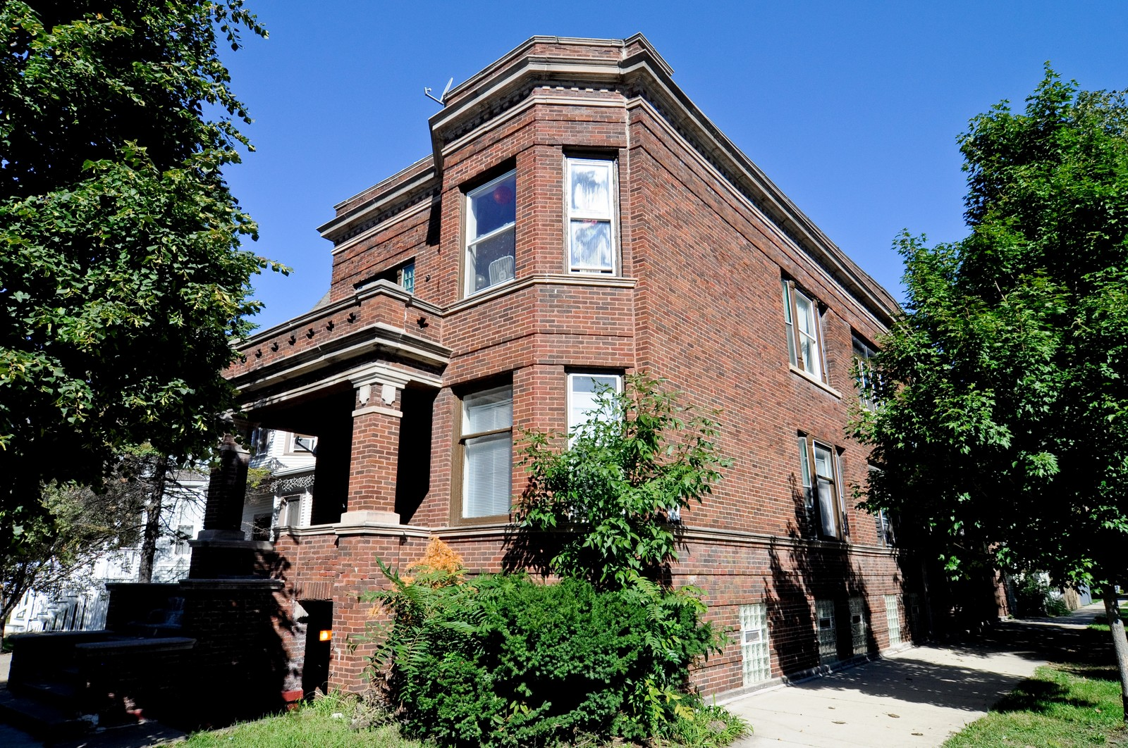Real Estate Photography - 3534 W Wrightwood, Chicago, IL, 60614 - Front View