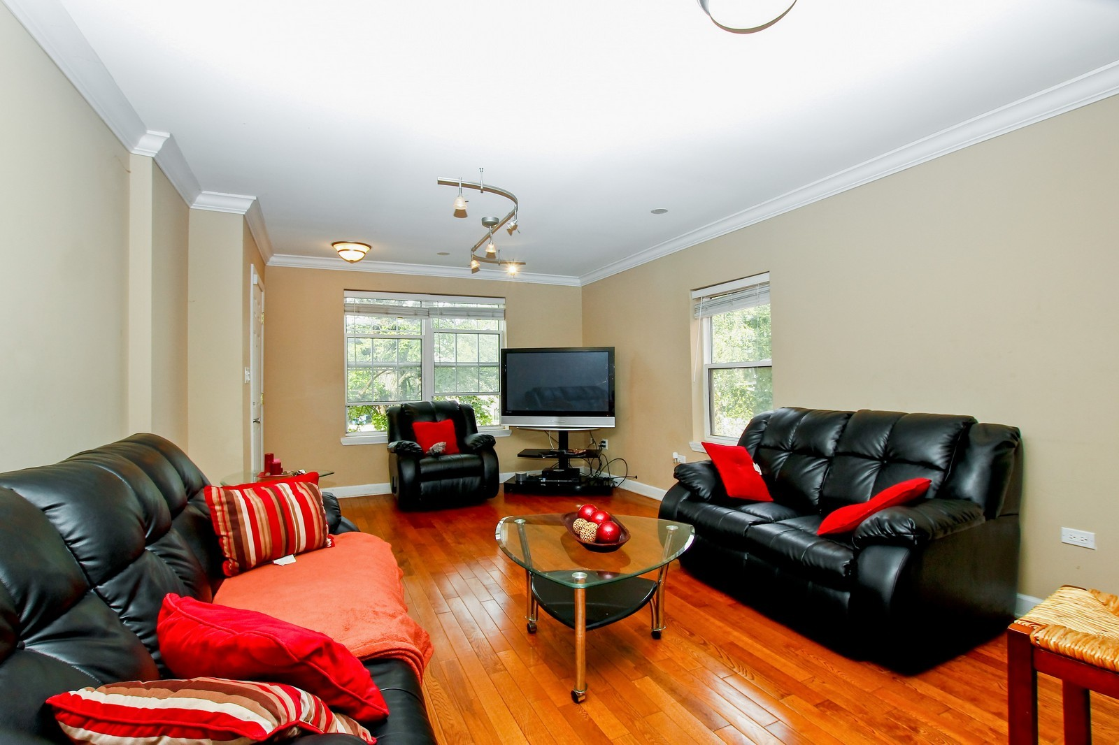 Real Estate Photography - 4325 S Vernon, Chicago, IL, 60653 - Living Room