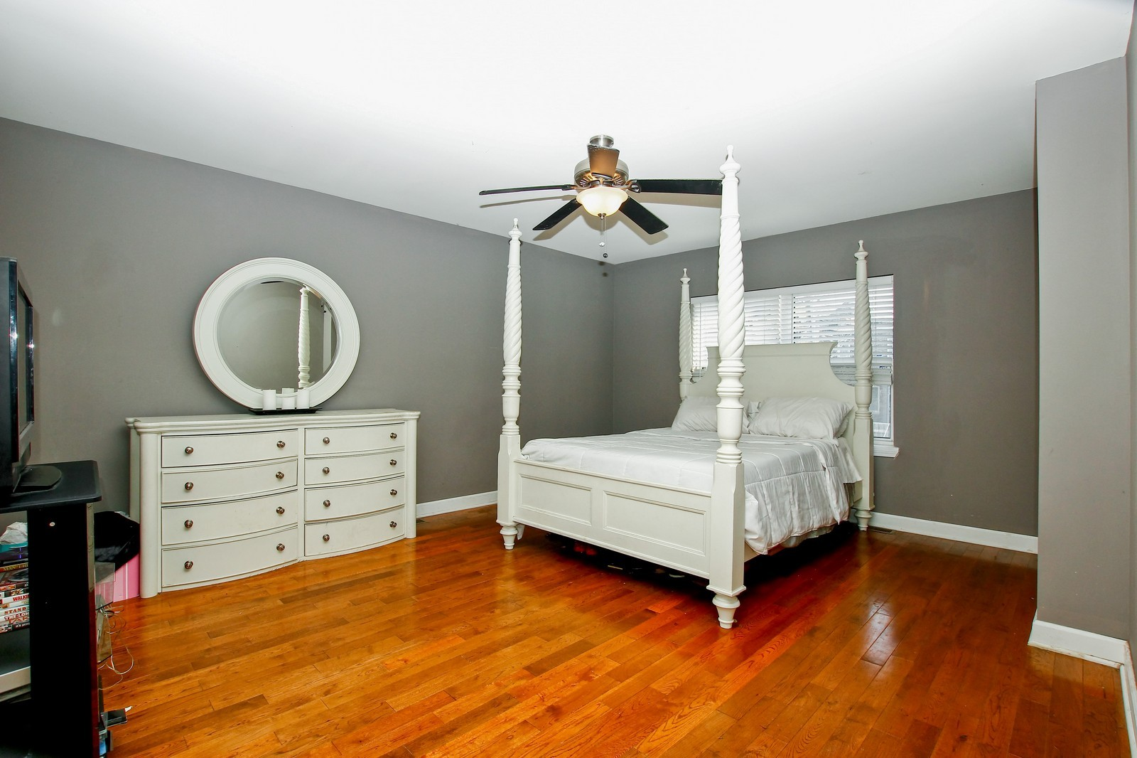 Real Estate Photography - 4325 S Vernon, Chicago, IL, 60653 - Master Bedroom