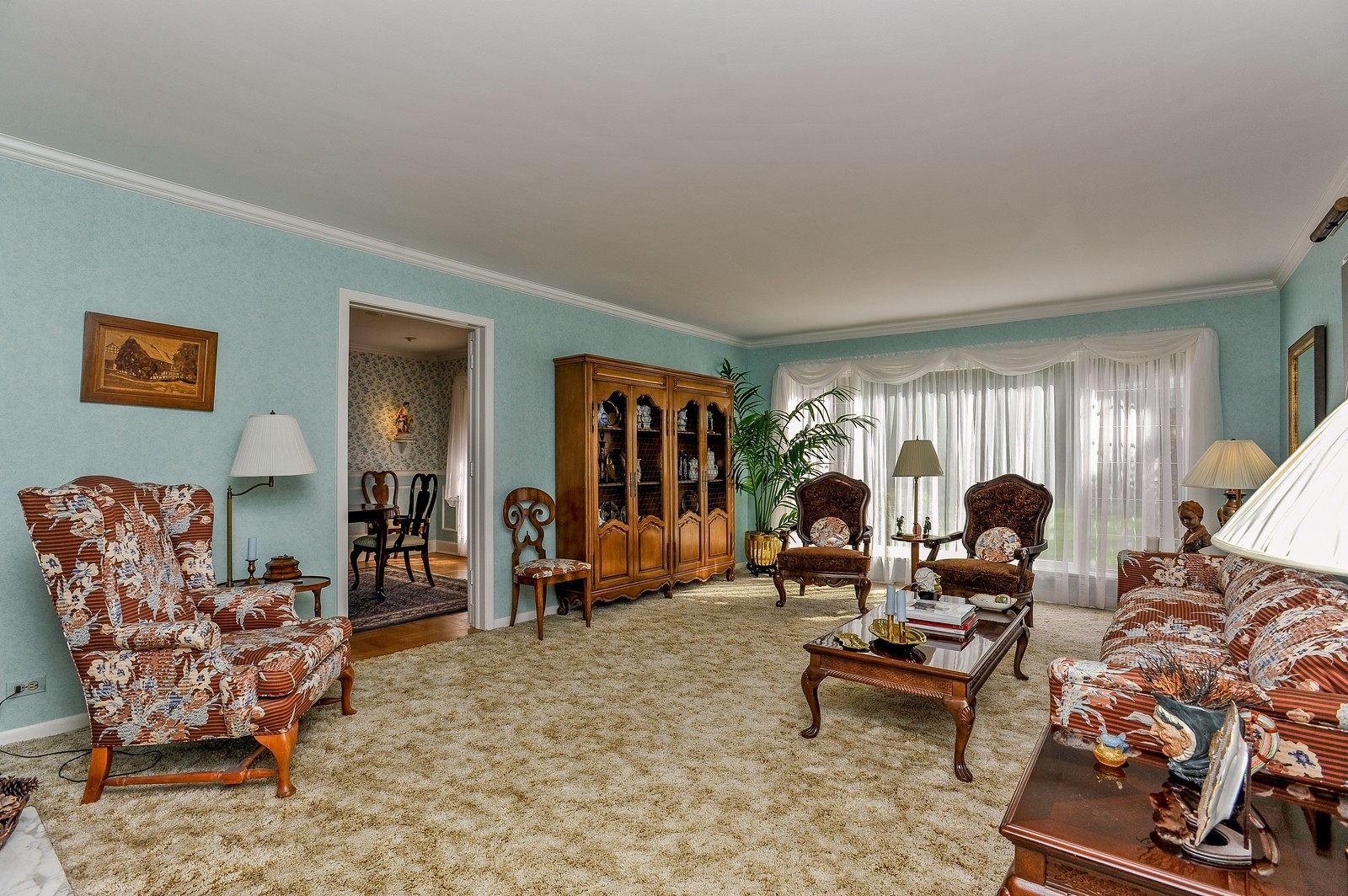 Real Estate Photography - 305 Sunset Dr, Northfield, IL, 60093 - Living Room