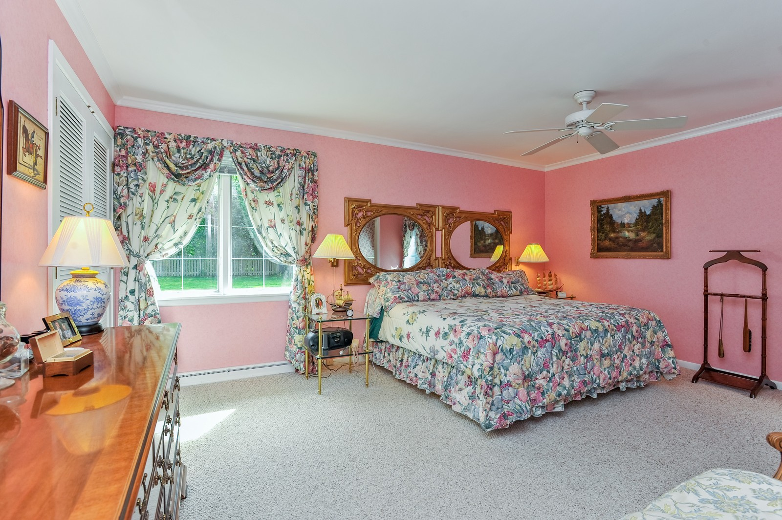 Real Estate Photography - 305 Sunset Dr, Northfield, IL, 60093 - Master Bedroom