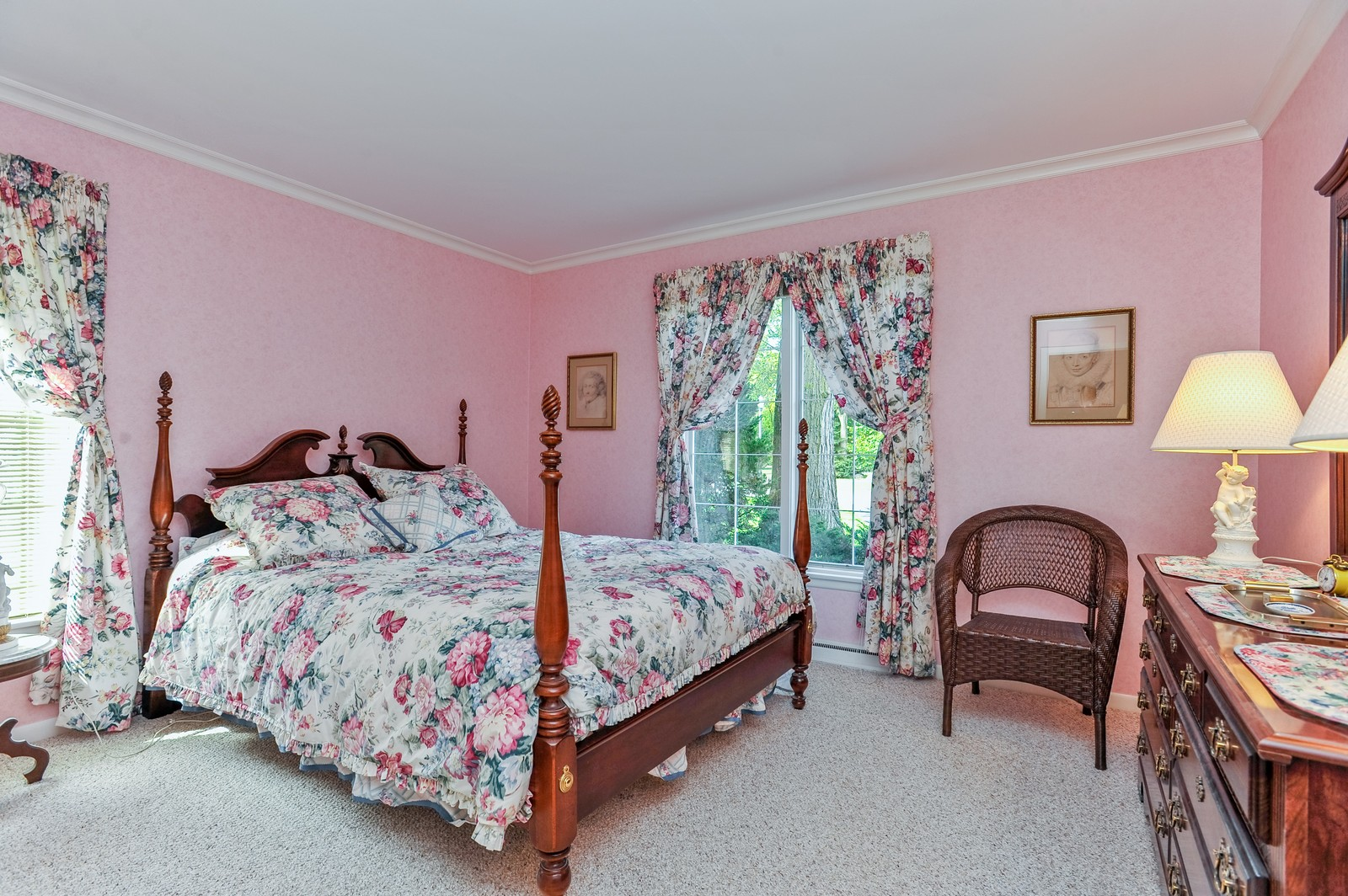 Real Estate Photography - 305 Sunset Dr, Northfield, IL, 60093 - 2nd Bedroom
