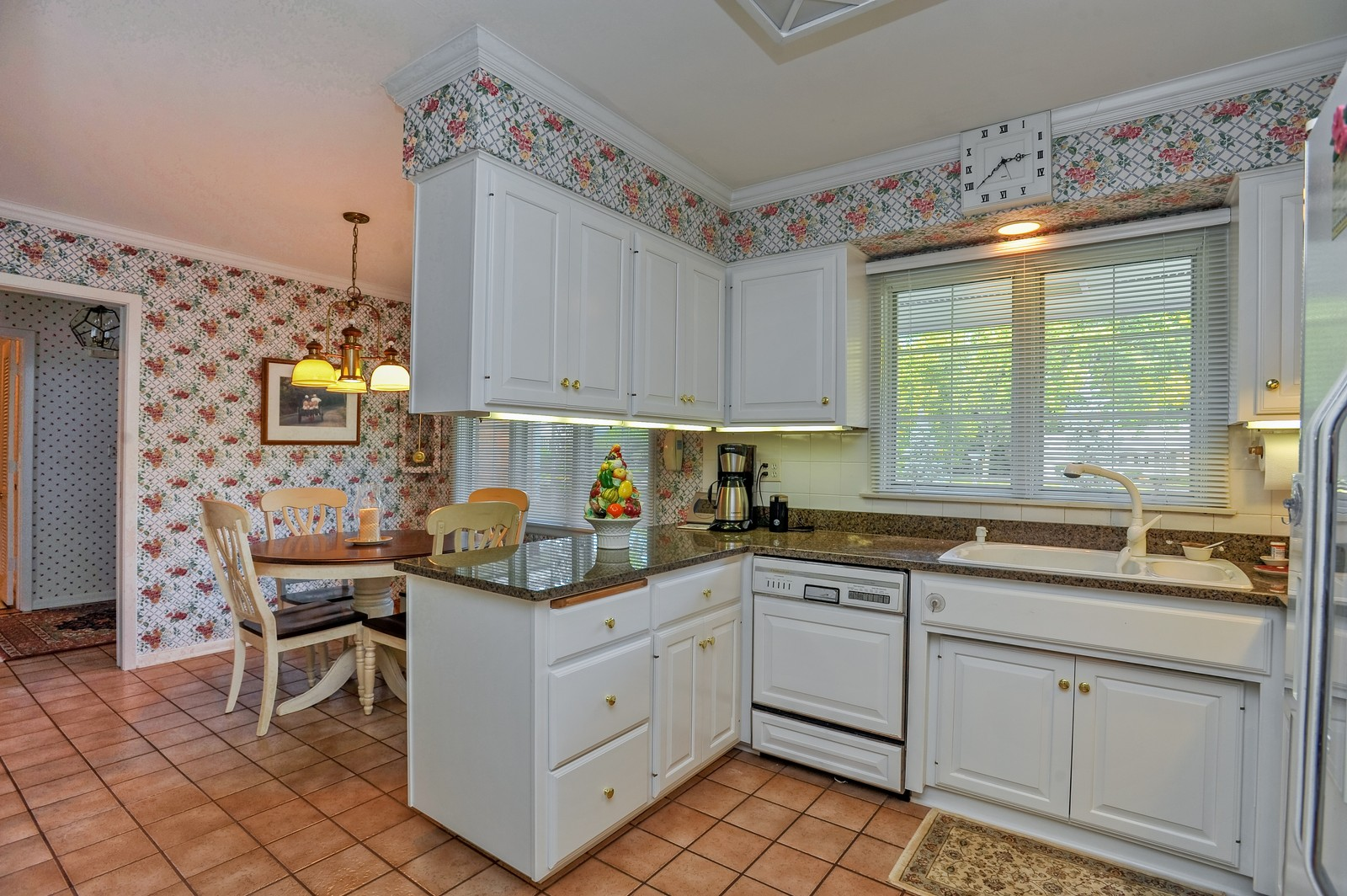 Real Estate Photography - 305 Sunset Dr, Northfield, IL, 60093 - Kitchen / Breakfast Room
