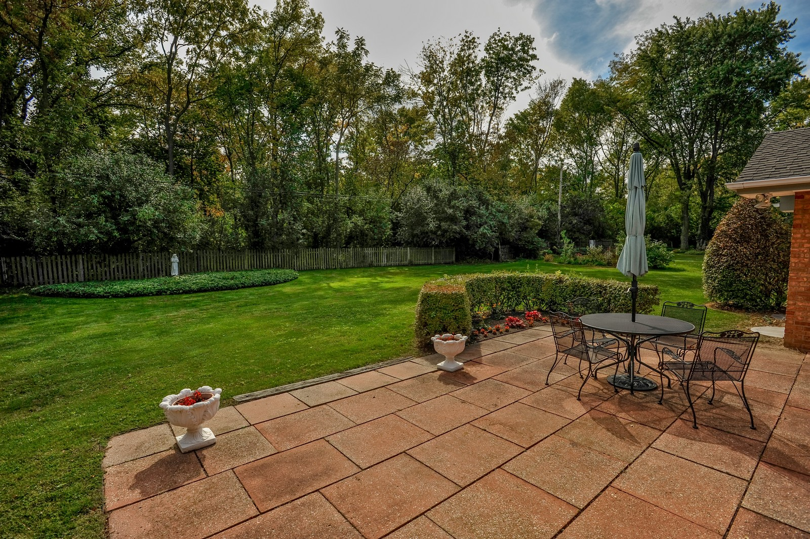 Real Estate Photography - 305 Sunset Dr, Northfield, IL, 60093 - Back Yard