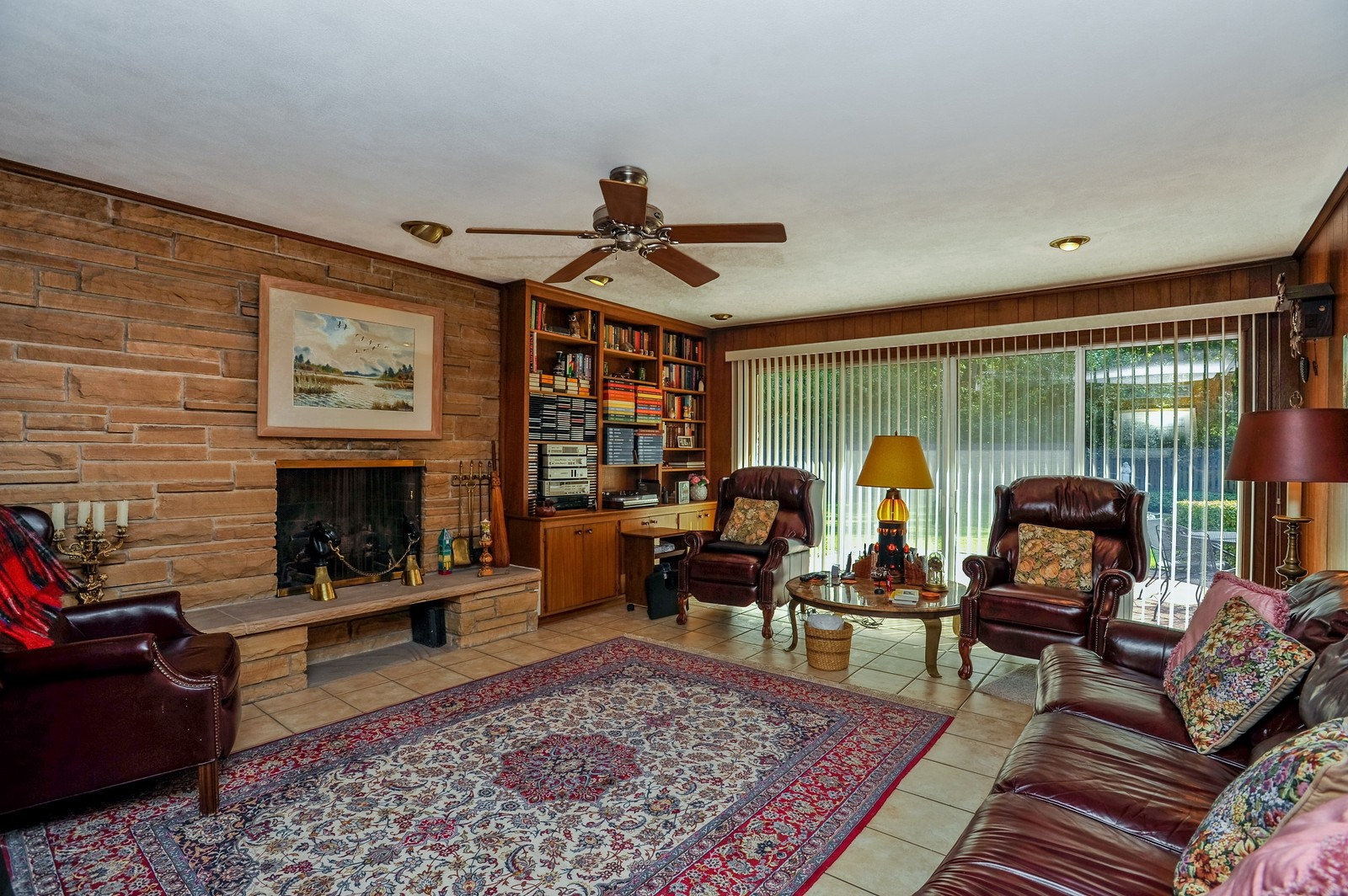 Real Estate Photography - 305 Sunset Dr, Northfield, IL, 60093 - Family Room