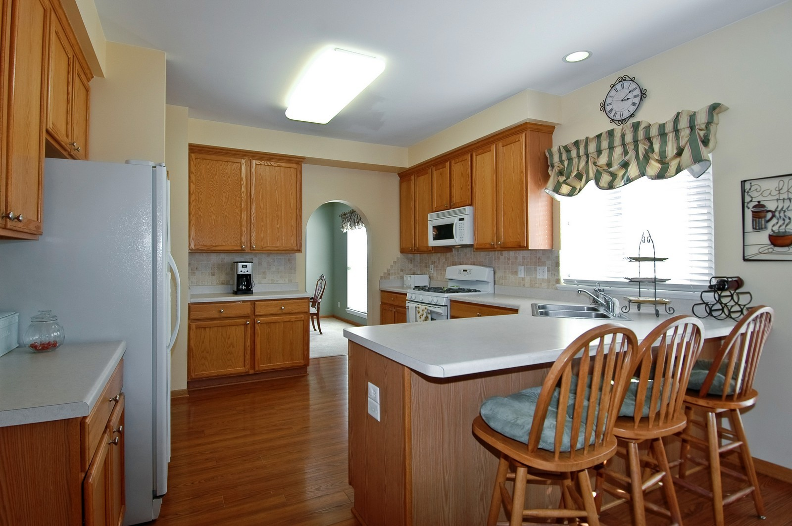 Real Estate Photography - 1353 Boxwood, Crystal Lake, IL, 60014 - Kitchen