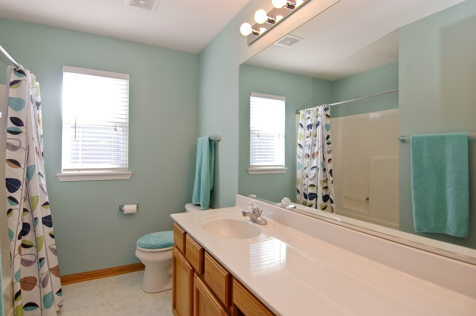 Real Estate Photography - 1353 Boxwood, Crystal Lake, IL, 60014 - Bathroom