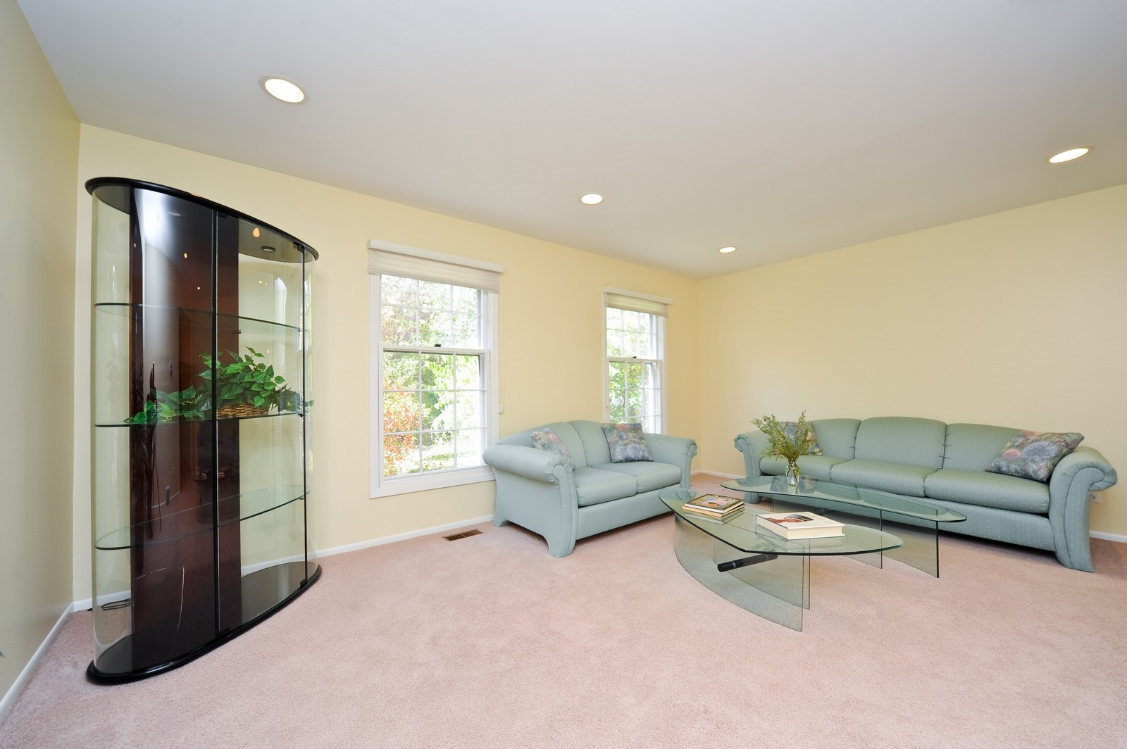 Real Estate Photography - 1371 Greenbay Rd, Highland Park, IL, 60035 - Living Room