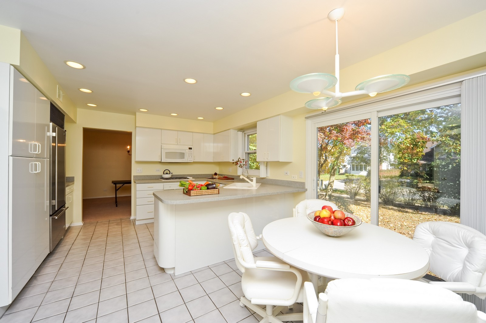 Real Estate Photography - 1371 Greenbay Rd, Highland Park, IL, 60035 - Kitchen / Breakfast Room