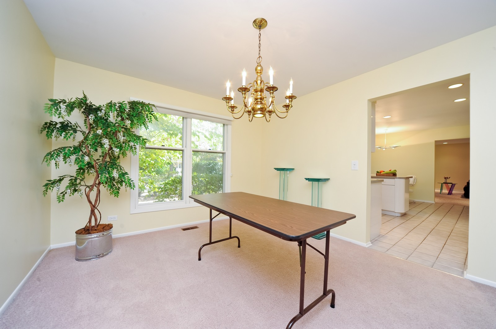 Real Estate Photography - 1371 Greenbay Rd, Highland Park, IL, 60035 - Dining Room