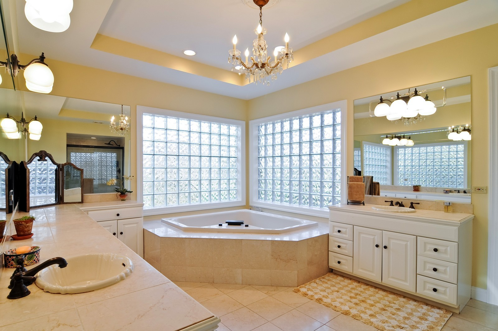 Real Estate Photography - 2091 Trenton, Libertyville, IL, 60048 - Master Bathroom