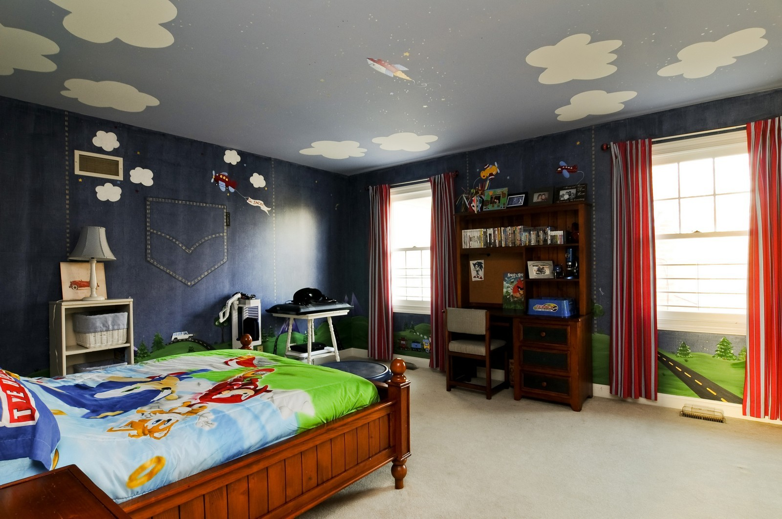 Real Estate Photography - 2091 Trenton, Libertyville, IL, 60048 - 2nd Bedroom