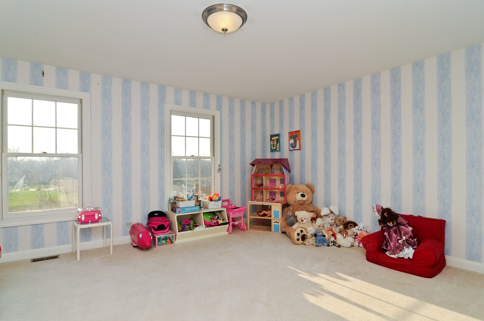 Real Estate Photography - 2091 Trenton, Libertyville, IL, 60048 - 3rd Bedroom