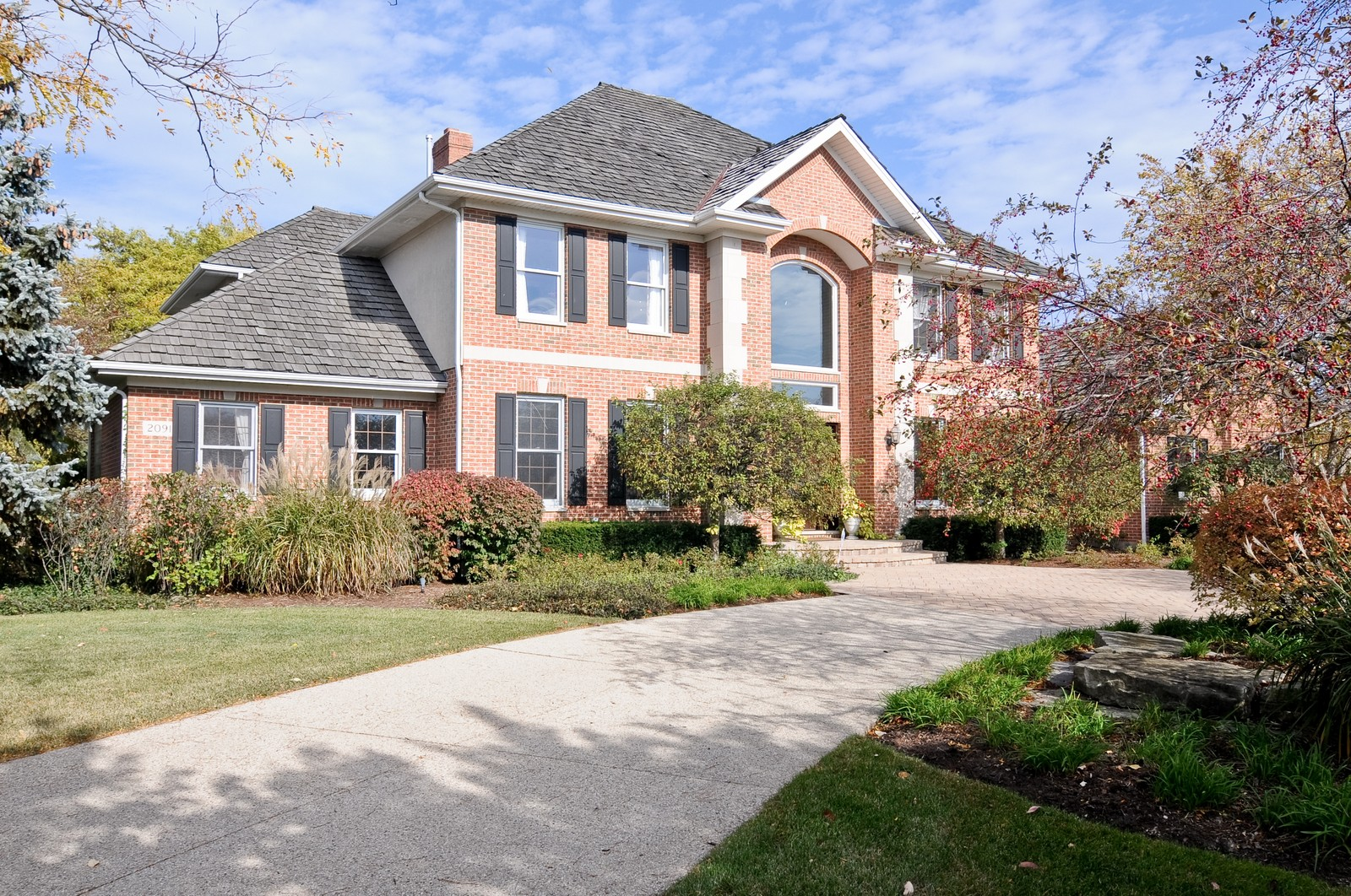 Real Estate Photography - 2091 Trenton, Libertyville, IL, 60048 - Front View