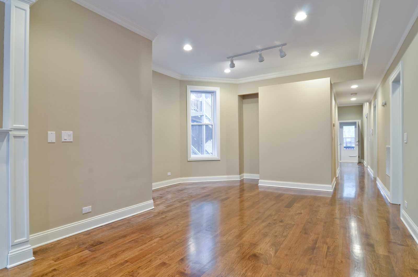 Real Estate Photography - 1908 N Whipple, Unit 2, Chicago, IL, 60647 - Dining Room